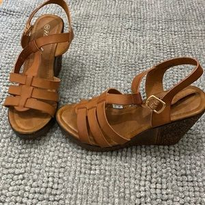 Size 8 women's sandals ankle strap gently used